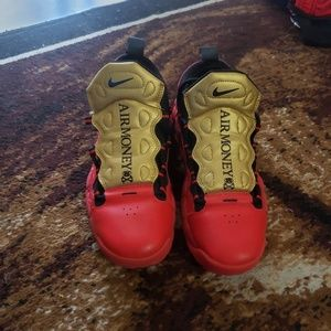 Nike Air More Money youth size 6.5